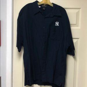 Men's Shirt by Antigua New York Yankees XL NYY